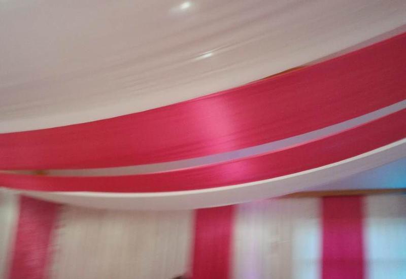 Comment passer d'une pièce de soin banal à un spa luxe : la déco du plafond