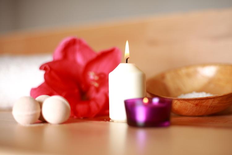 Le massage à la bougie, ses bienfaits