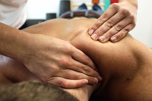 Le massage sportif pour la préparation et la récupération